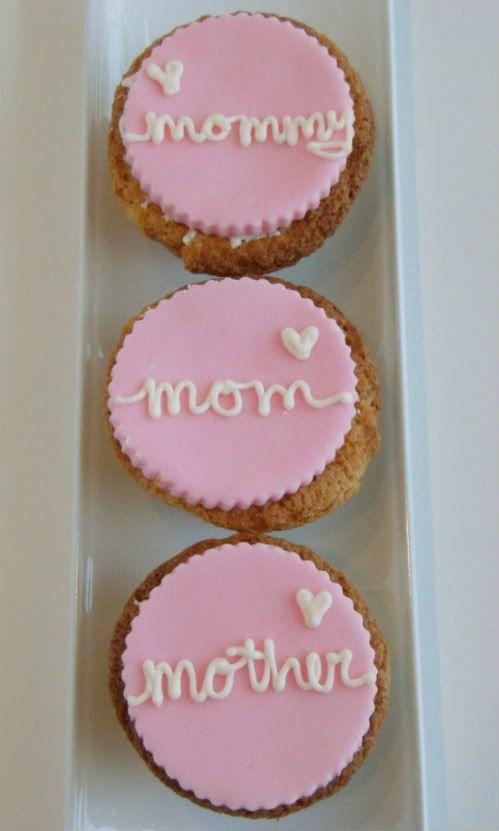 Mother S Day Cupcakes Mothers Day Cupcakes Mothers Day Cake Homemade Fondant
