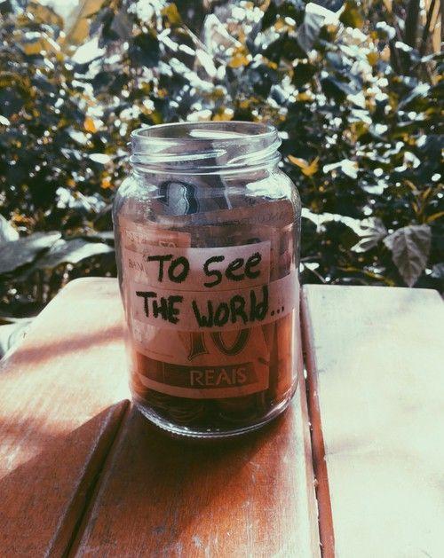 Conocer el mundo. Conocer culturas, gastronomía, arquitectura, etc. Quiero viajar y darme el tiempo y la oportunidad de dejarme sorprender.