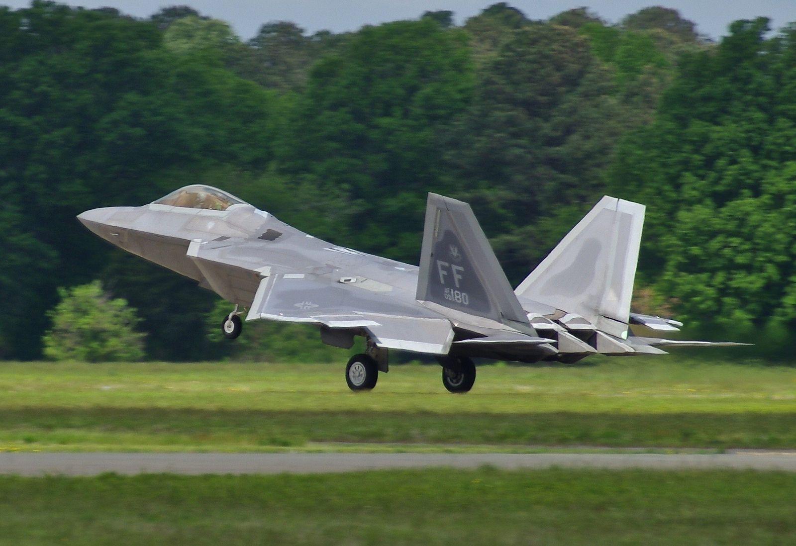 09-4180 F-22A 1FW