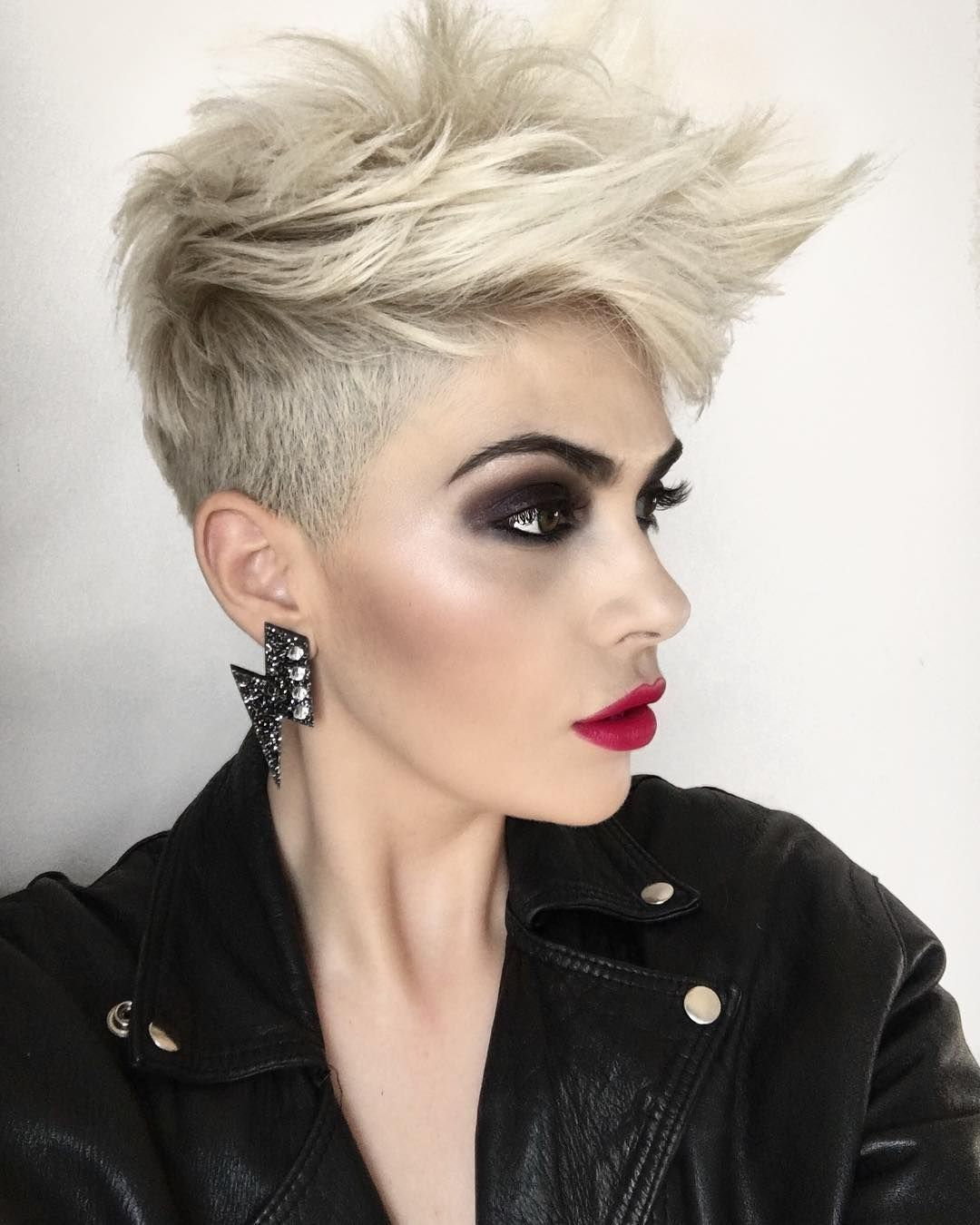 Pin by crystal bull on hair pinterest short hair pixies and