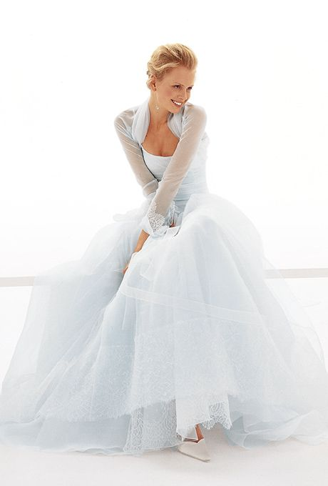 Brides: Le Spose Di Gi�. Long sleeves, sheer bolero, chiffon spaghetti straps top, on multilayer organza skirt.