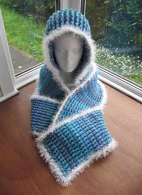 Ravelry: Chunky Ribbed Scoodie pattern by Zoe Deterding ...