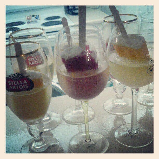 champagne Popsicles! #champagnepopsicles champagne Popsicles! #champagnepopsicles