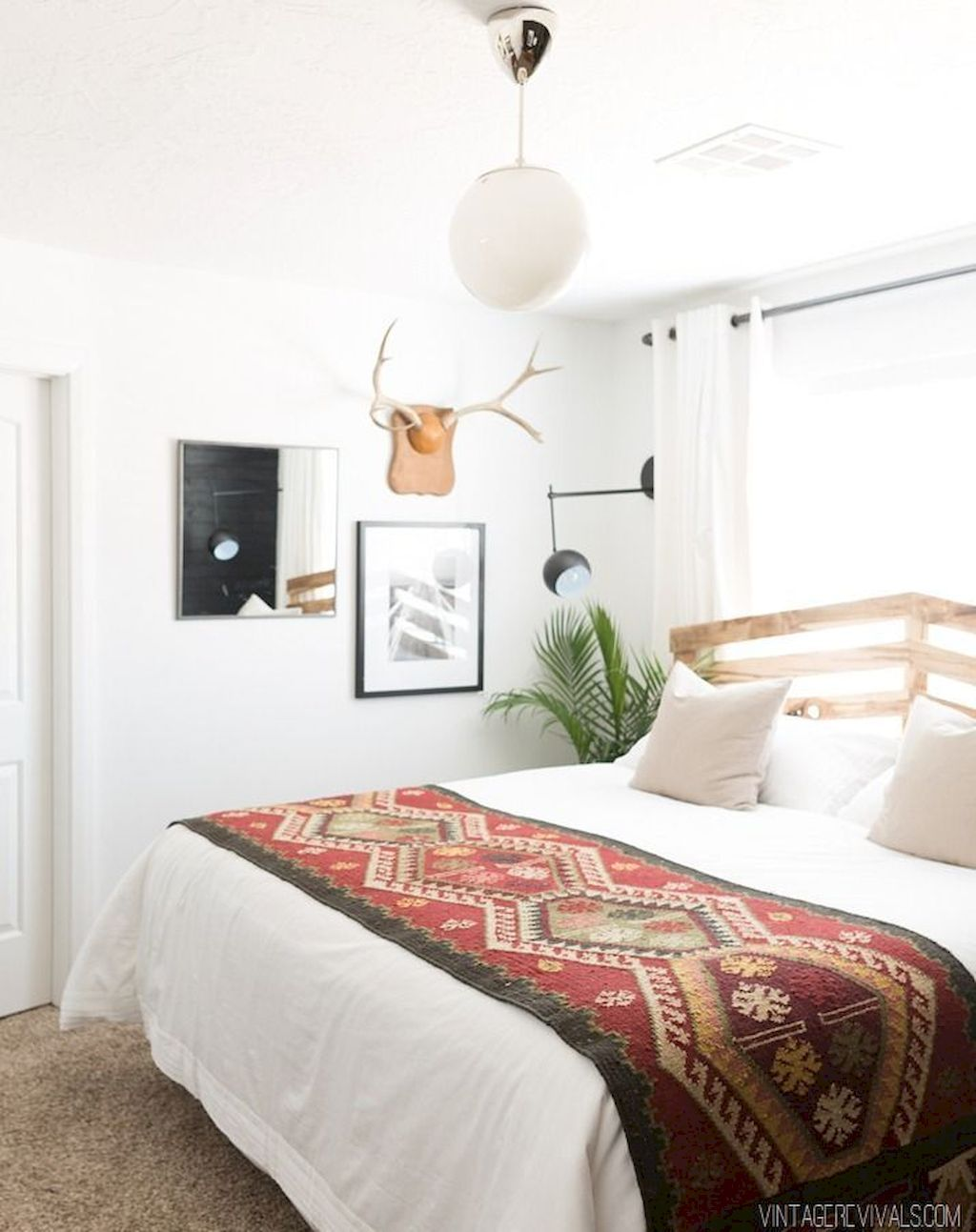 Vintage master bedroom decor   Stunning Vintage Apartment Bedroom Decor Ideas  Apartment