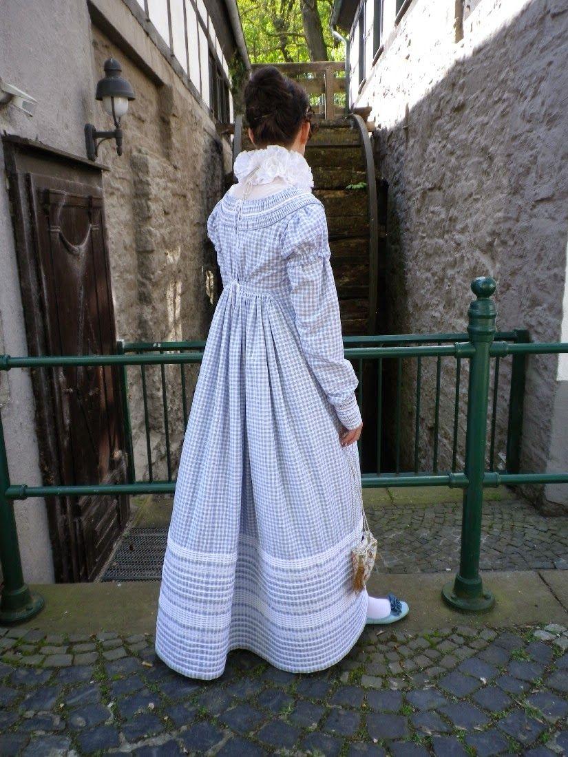 Kleidung um 10: Ein Kleid aus Lenzens Himmelstüchern  Regency