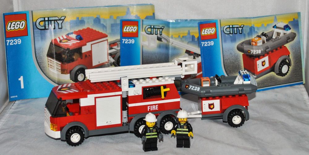 Lego City Fire Truck 7239 With 2 Mini Figures 100 Complete Rare