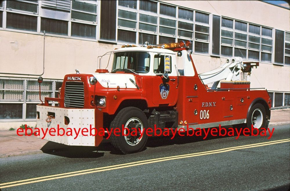 Fire Apparatus Slide, Tow 006, FDNY, 1988 Mack DM / Weld