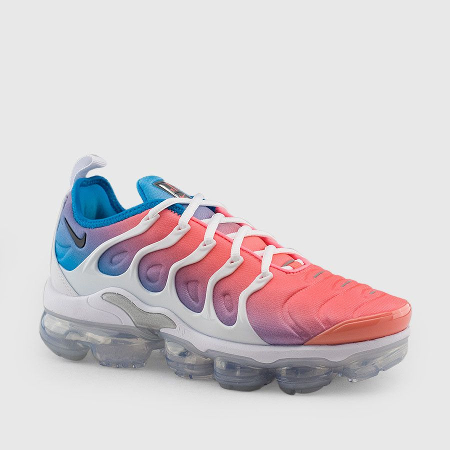 pink and white vapormax plus