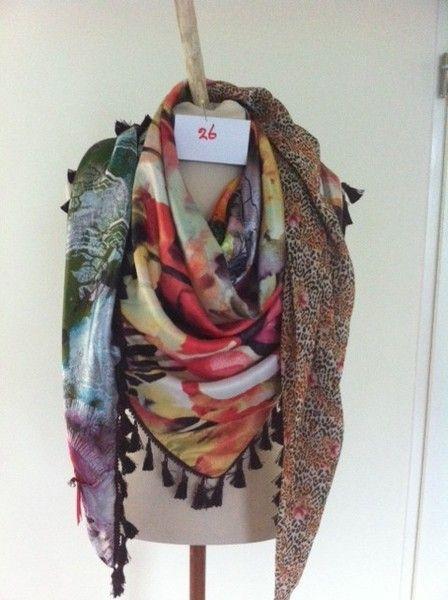 beste prijs meerdere kleuren geweldige selectie Prachtige handgemaakte sjaal van zijde satijnen stoffen met ...