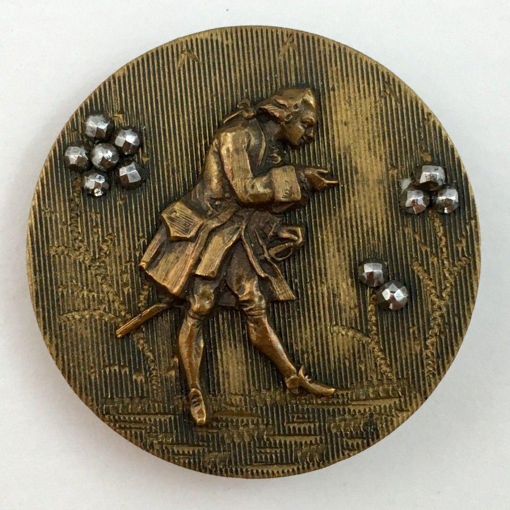 19th century button depicting a Fop, an 18th century dandy.