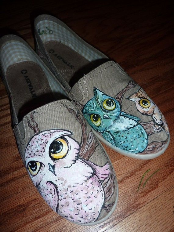 I want a pair of these... with tan with pink and teal owls!