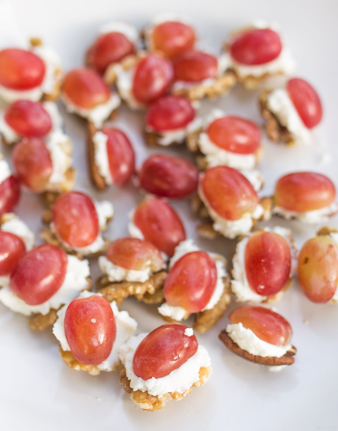 Easy party appetizer grapes goat cheese and nuts inspiredrd easy party appetizer grapes goat cheese and nuts inspiredrd recipe forumfinder Images