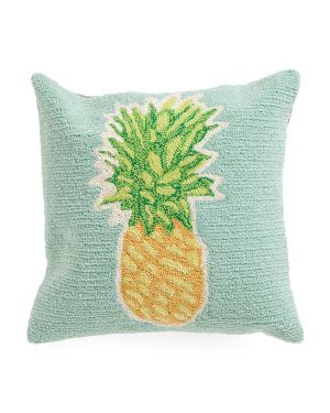 18x18 Indoor/Outdoor Hand Hooked Pineapple Pillow