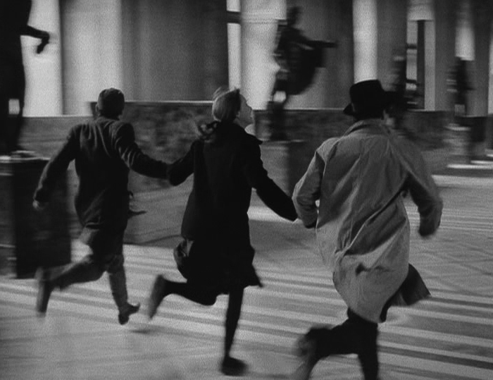 Infinitetext Jean Luc Godard Band Of Outsiders 1964 Jean Luc Godard The Dreamers Band Of Outsiders Band of Outsiders