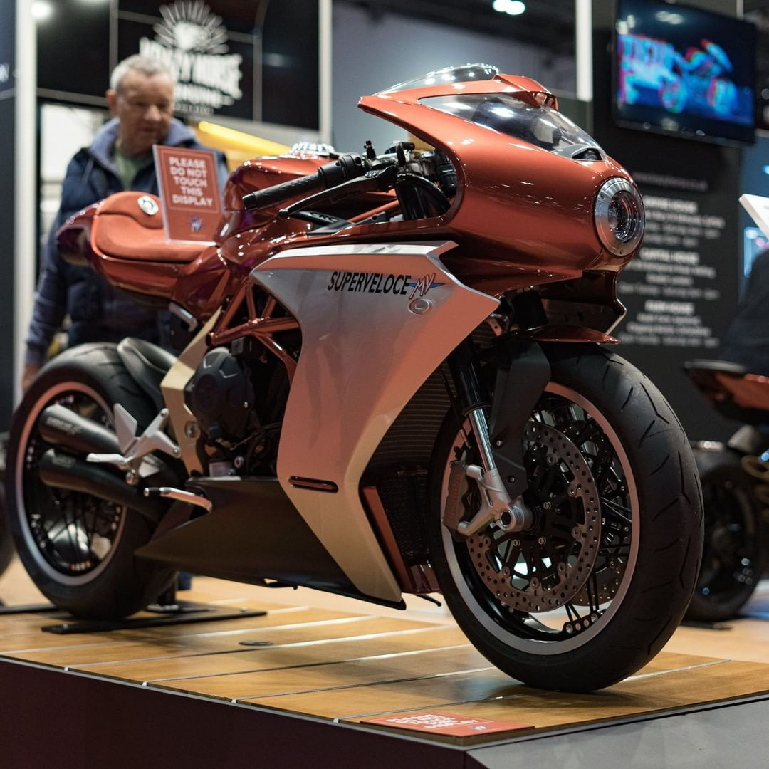 Superveloce 800 Serie Oro in 2020 Cafe racer motorcycle