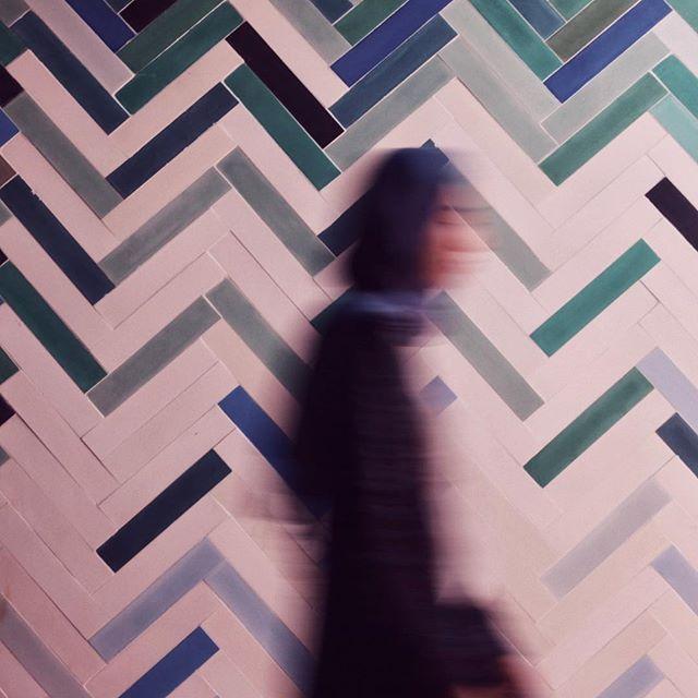 Girl on the move #pophamdesign BAGUETTE #handmade #concretetiles #cementtiles #carreauxdeciment #madeinmorocco #instatiles #marrakech #workshop