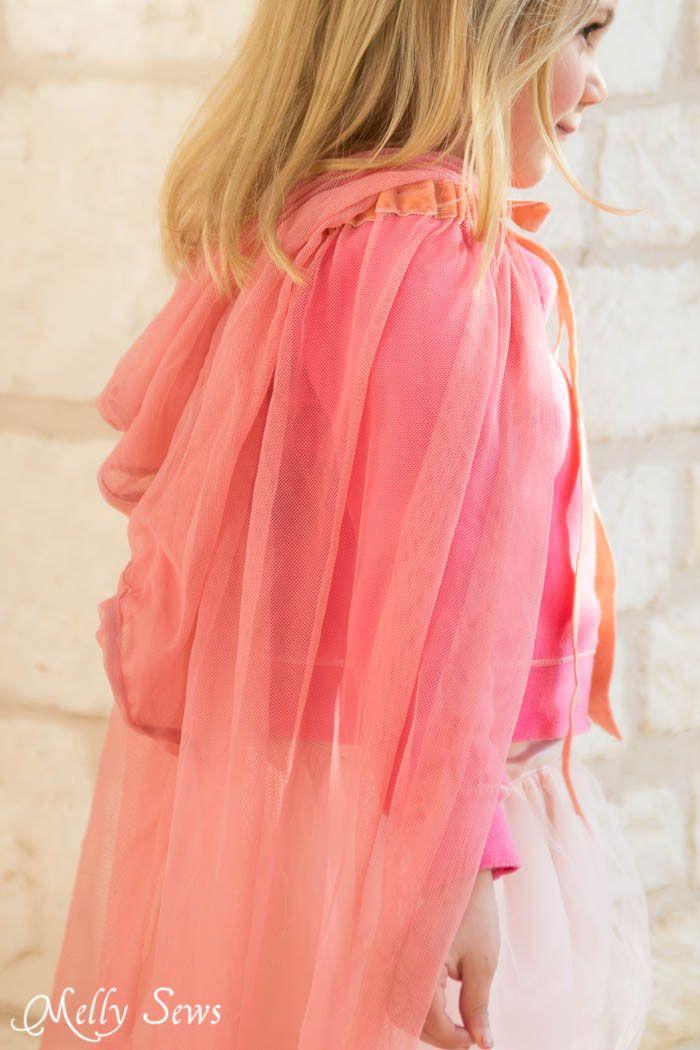 Volver la vista - ¿Cómo hacer una capa de princesa de cuento - Fácil tutorial de costura DIY por Melly Sews