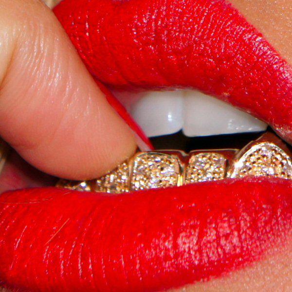 Diamonds Gold Teeth And Red Lips Grillz Diamond Grillz Girl