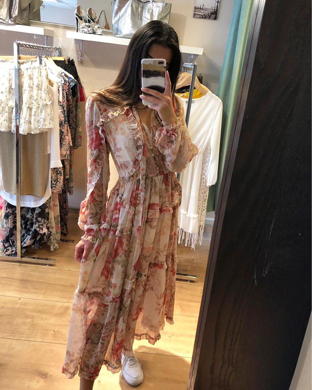 Kleid Sommer 2019 Newcolletion Paris Fashion Madeinitaly Kleid Girls Dress Peakcologne Madeinitaly Fashionblogger Mode St Mit Bildern Kleider Bluse
