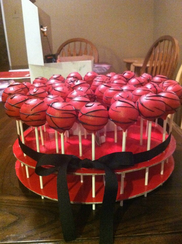 For A Black And Red Theme Sweet Sixteen Party Cakepops Sweet