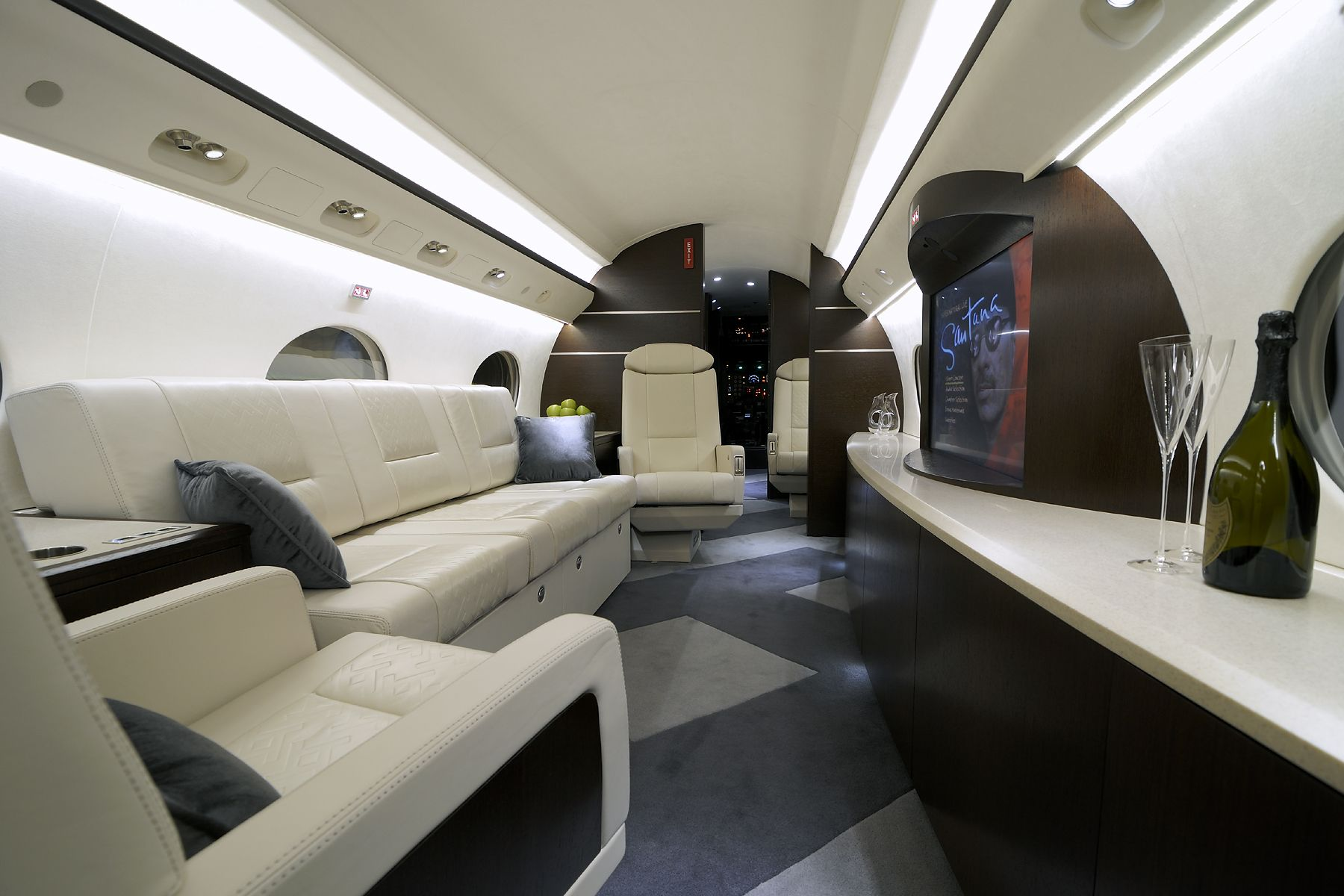 Los Angeles Luxury & Exotic Car Rental   Lion Heart Lifestyle