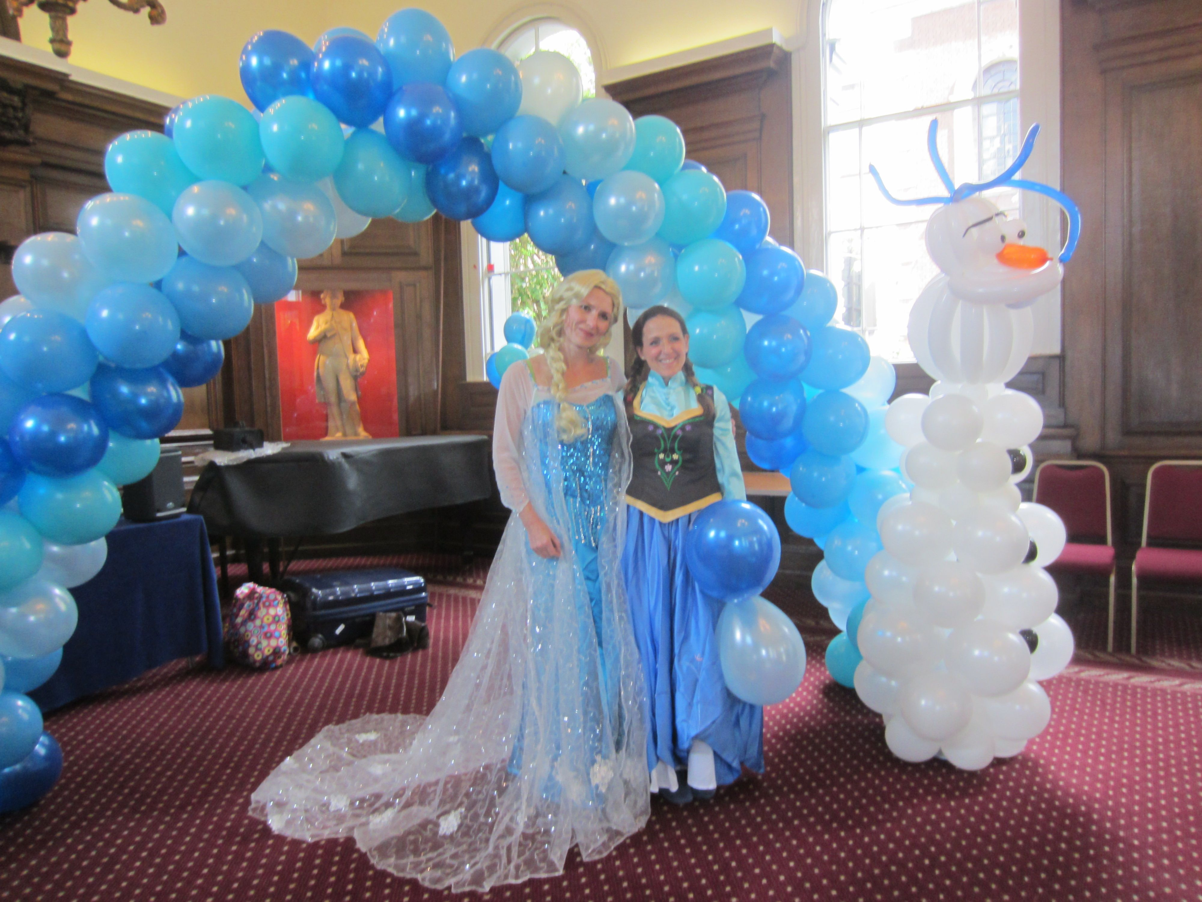 Jojofun entertainers as anna and elsa with bespoke olaf