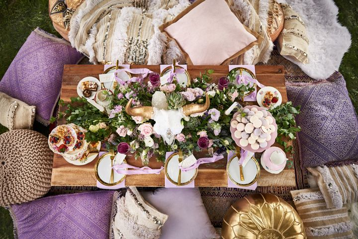 Lavender and Gold Wedding Styled Shoot { Your Lux-Bohemian Wedding Guide } itakeyou.co.uk #weddingstyledshoot #bohemianwedding #bohowedding #lavenderwedding #lavenderandgold #bohowedding