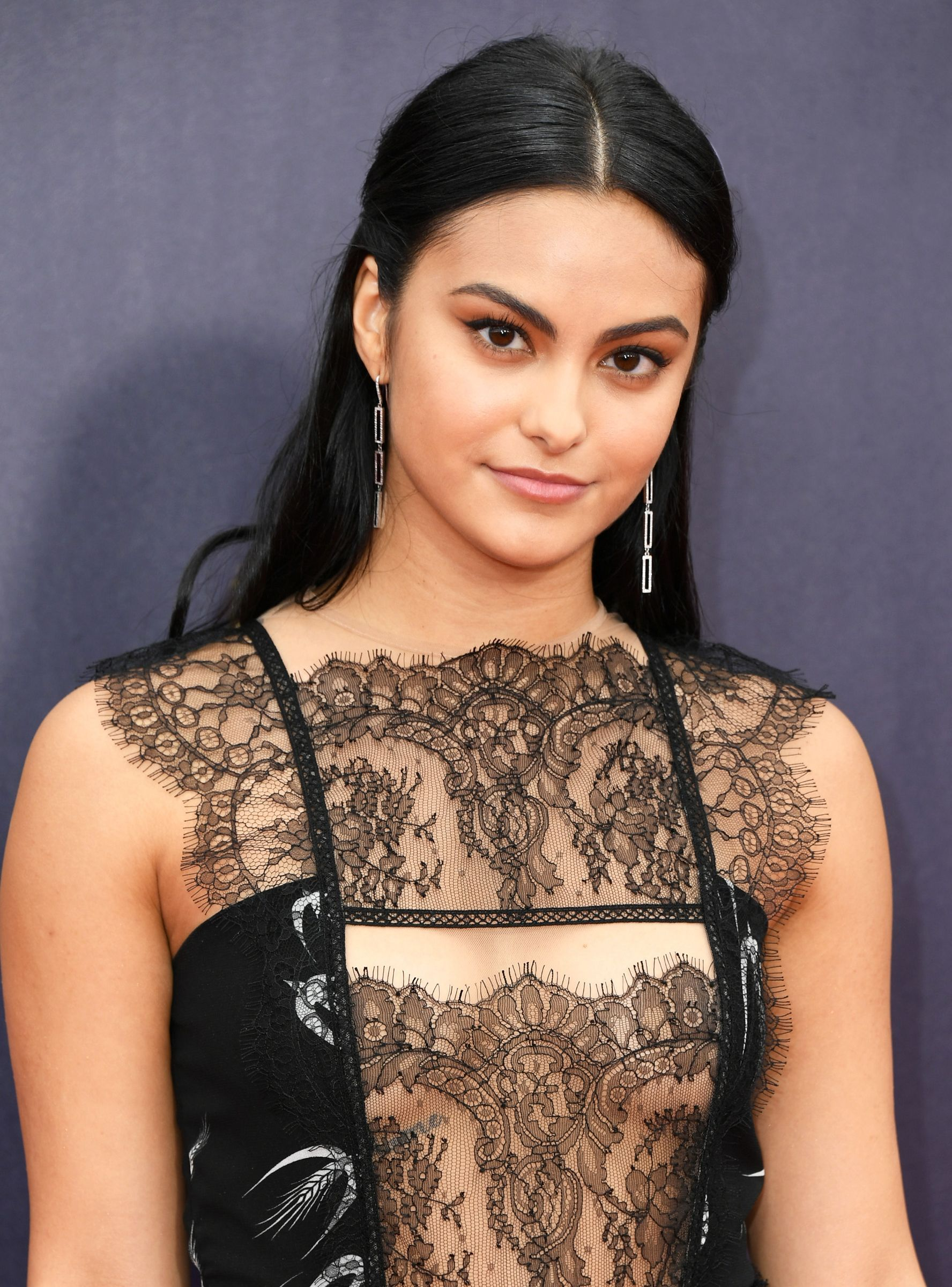 Camila Mendes' New Boyfriend Is Very CW Worthy   Beautiful actresses, Celebrities female, Cami mendes
