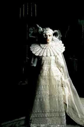 Lucy White Funeral Wedding Dress Worn By Frost In Bram Stoker S Dracula Front View