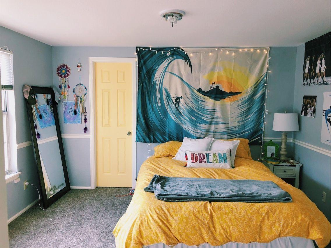 𝚙𝚒𝚗𝚝𝚎𝚛𝚎𝚜𝚝 𝚔𝚊𝚕𝚎𝚢𝚑𝚘𝚐𝚐𝚕𝚎 𝚟𝚜𝚌𝚘 𝚔𝚊𝚕𝚎𝚢 𝚑𝚘𝚐𝚐𝚕𝚎 Dorm Room Decor Yellow Room Room Decor