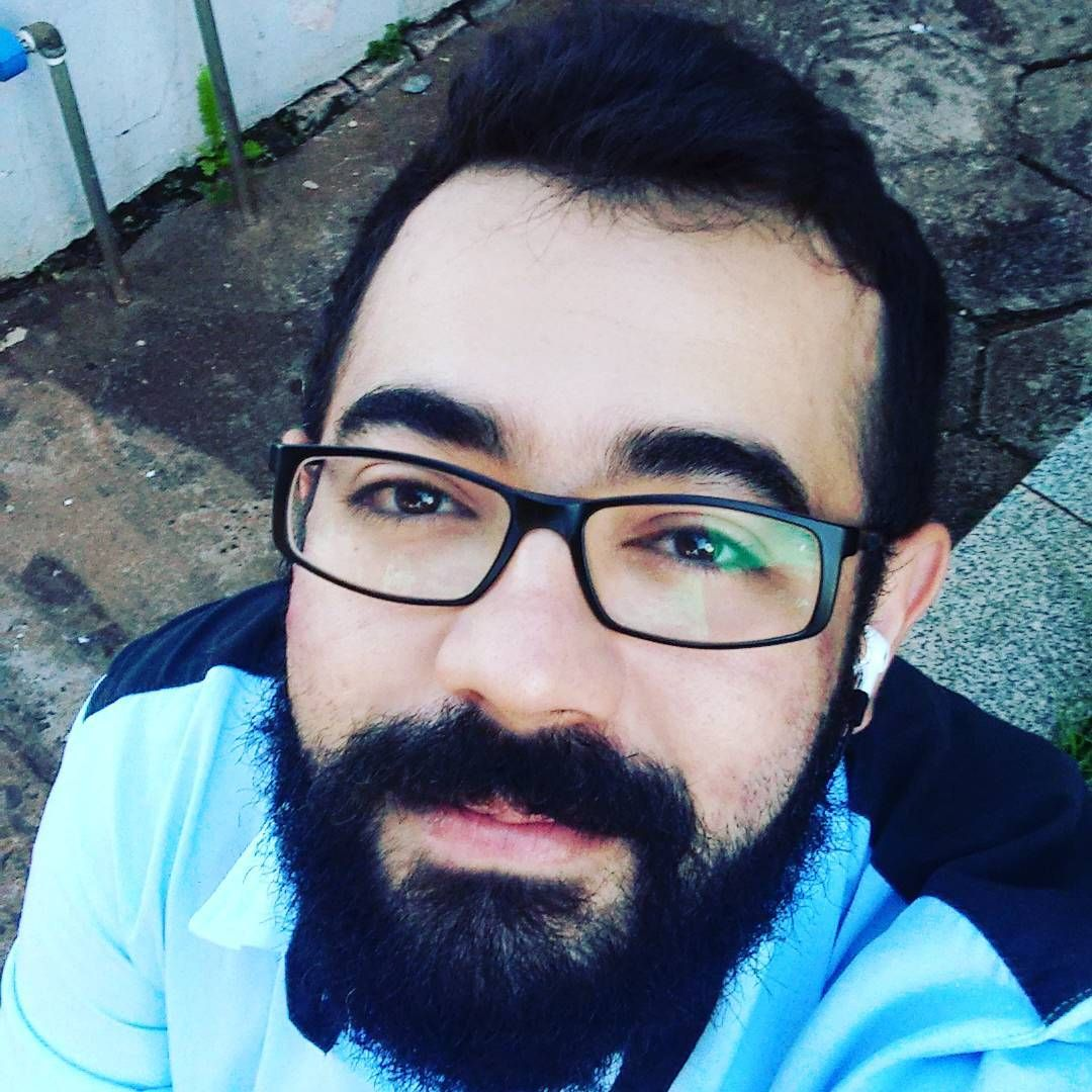 Vamos lá, um dia a mais; um dia a menos 🐻 #me #bear #nerd #bearnerd #beardlife #engenheiroambiental #environmentengineer #workerbear #selfies #worworkwork #sofuckinghappy