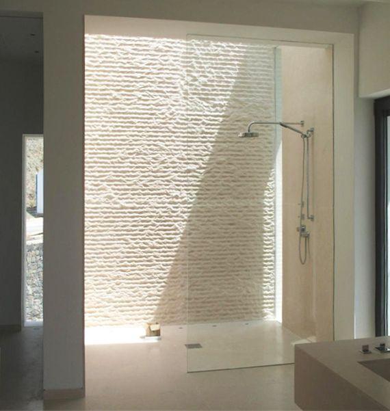 Modernes Badezimmer Mit Dachverglasung Im Duschbereich Und ... Badezimmer Dusche Modern