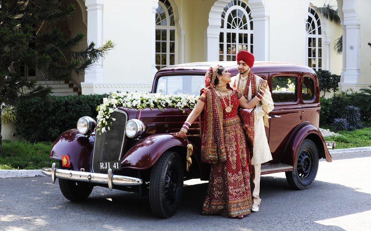Creative Elegant And Royal Design Make Your Day More Special With Vintage Car Hire Book Viintage Cars Vinta Wedding Venues Real Weddings Wedding Classic