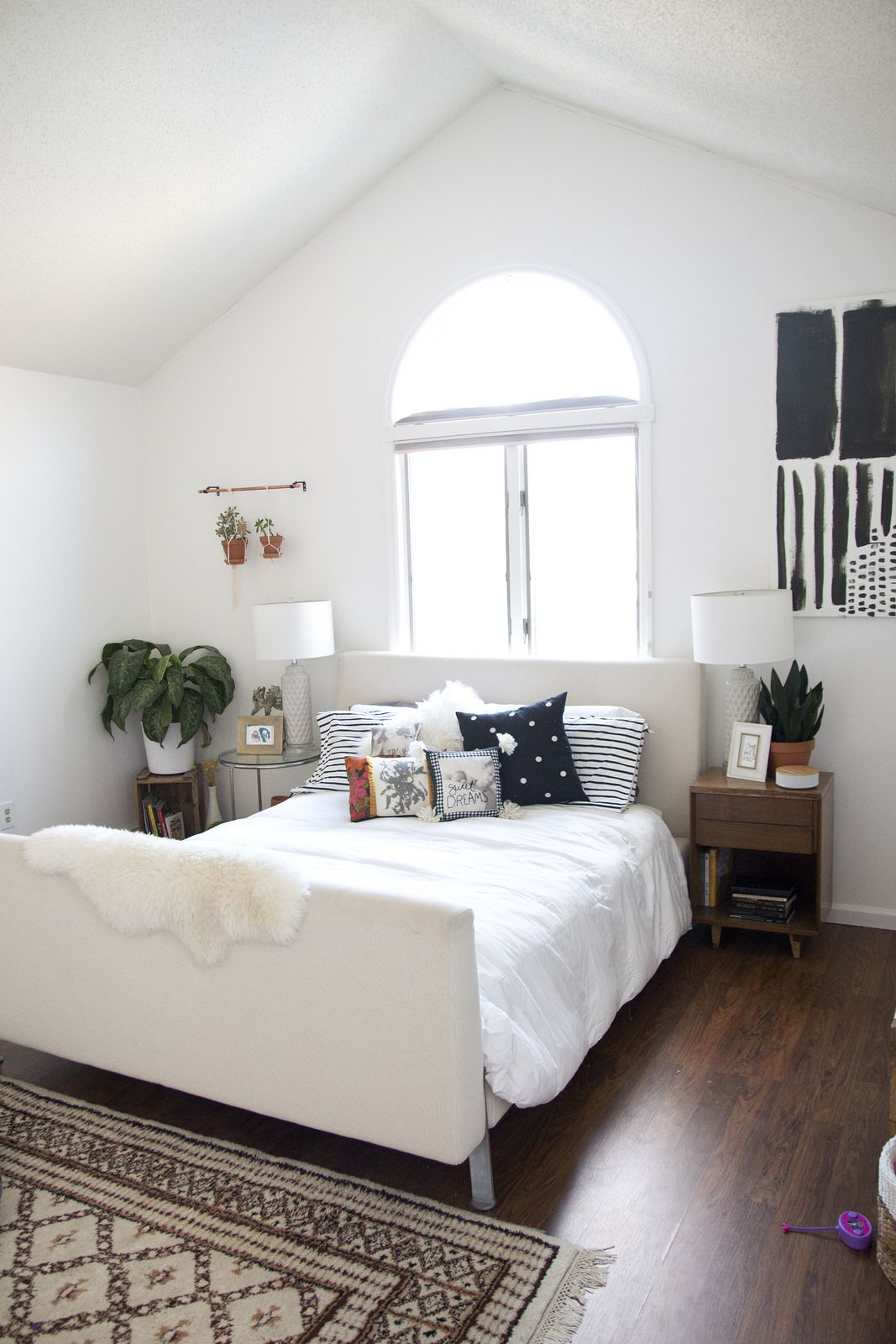 how to make your own photo accent pillows adds a personal touch to any room. Black Bedroom Furniture Sets. Home Design Ideas