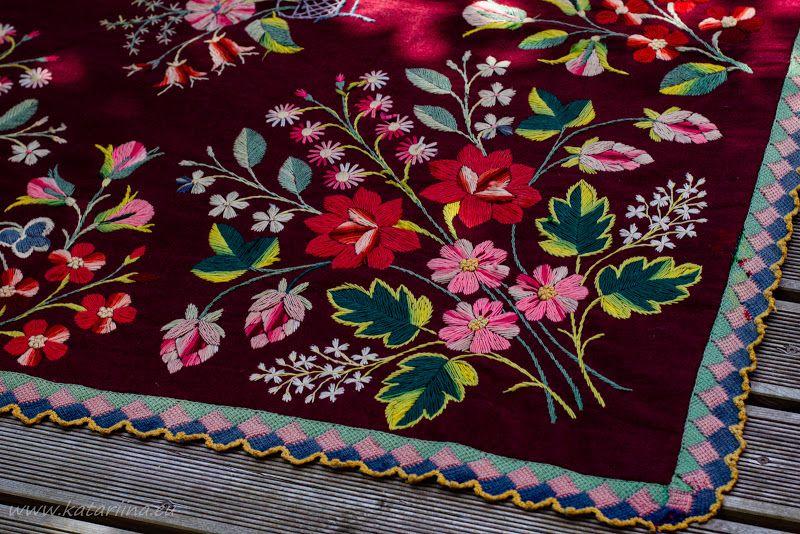 19607d3d0c2 Kaks punasepõhjalist tekki.   embroidery   Kitchen, Tableware y ...