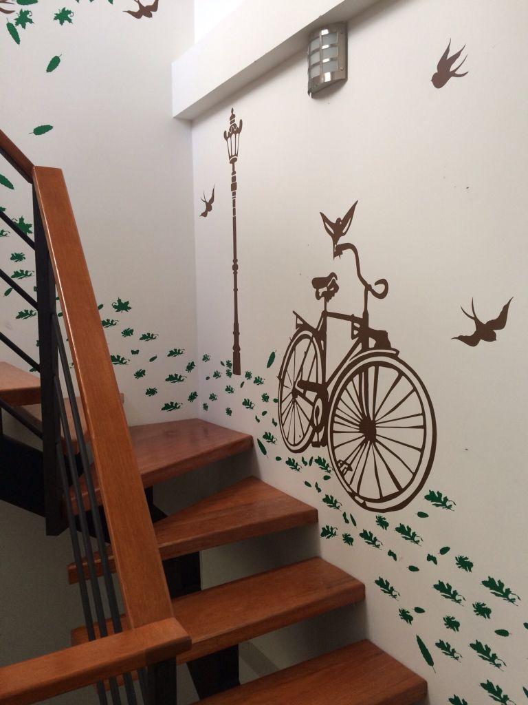 Ideas geniales para decorar escaleras decoracion decals - Decorar escaleras interiores ...