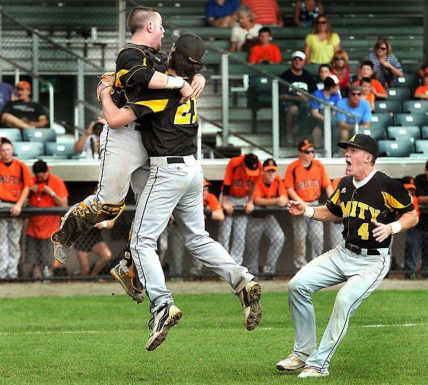 Photos Amity Over Shelton 2 1 In Scc Baseball Championship Yale Field Amity Yale Shelton