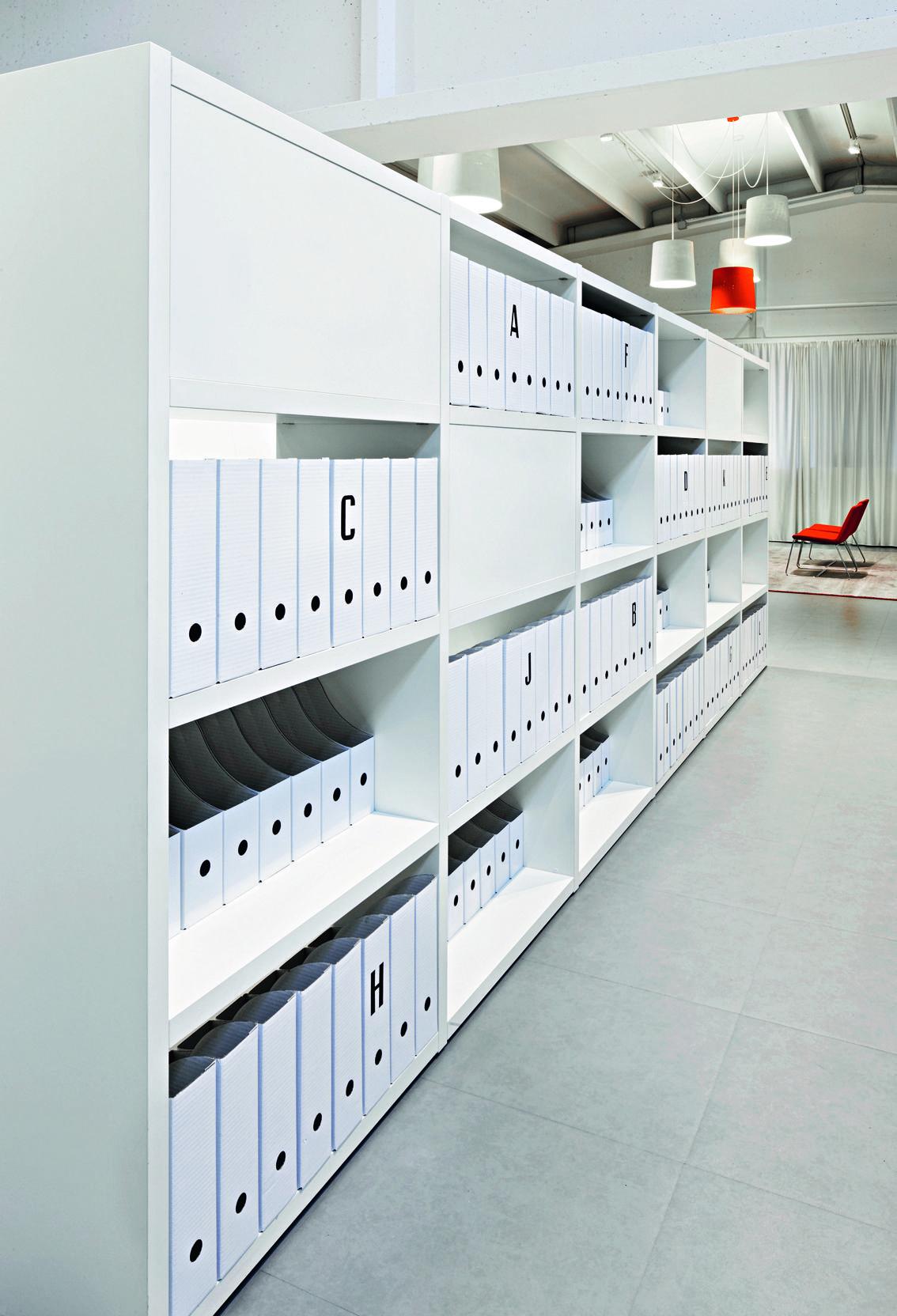 Mueble Para Archivos Con Diferentes Divisiones Office Interior Design Smart Office Design Office Furniture Design