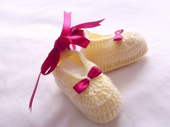 Baby Slippers Slippers Booties Shoe aby Girl Baby by modelknitting, $12.00