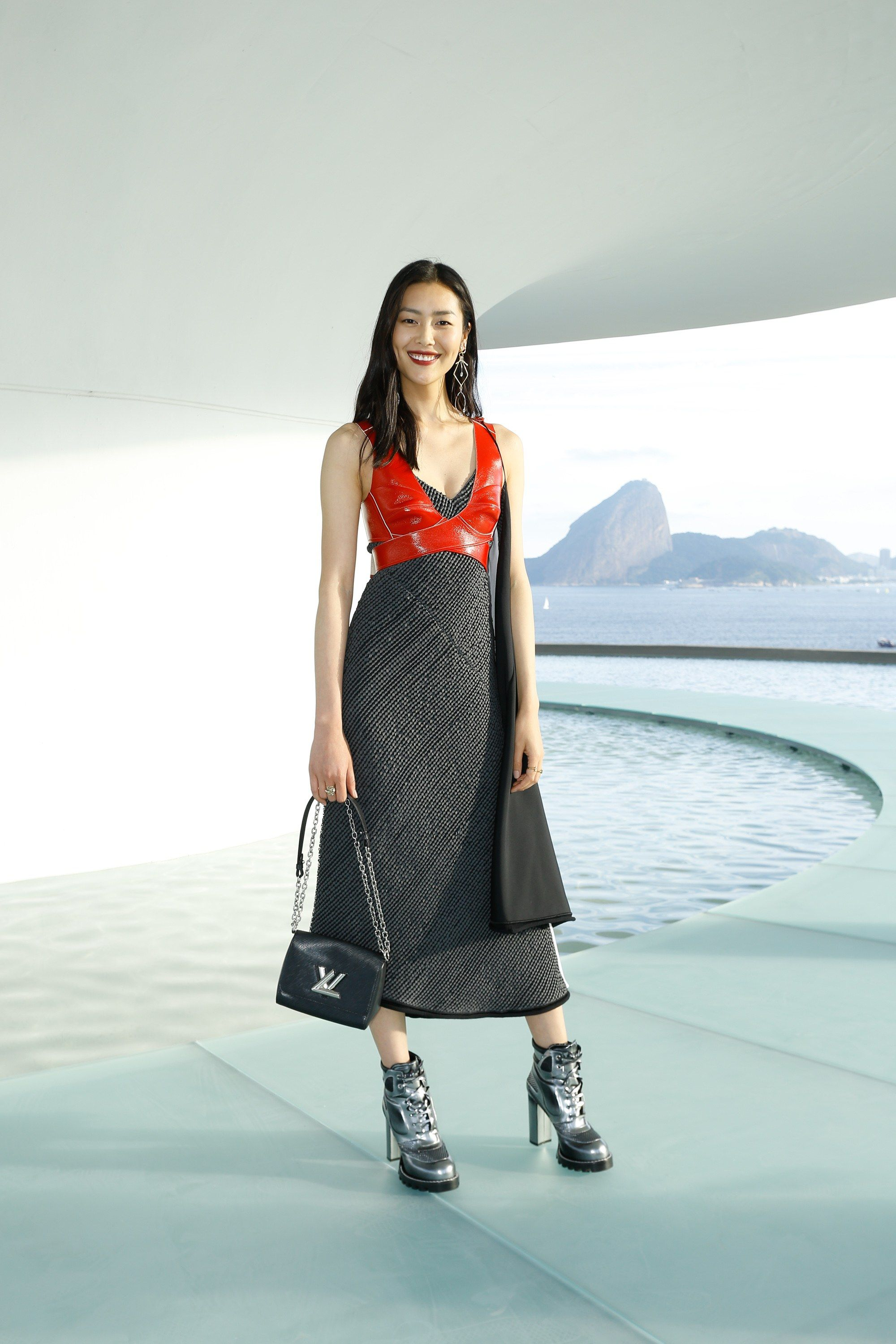 8480d9a4fcfd7 See front row celebrity photos from the Louis Vuitton Resort 2017 fashion  show.