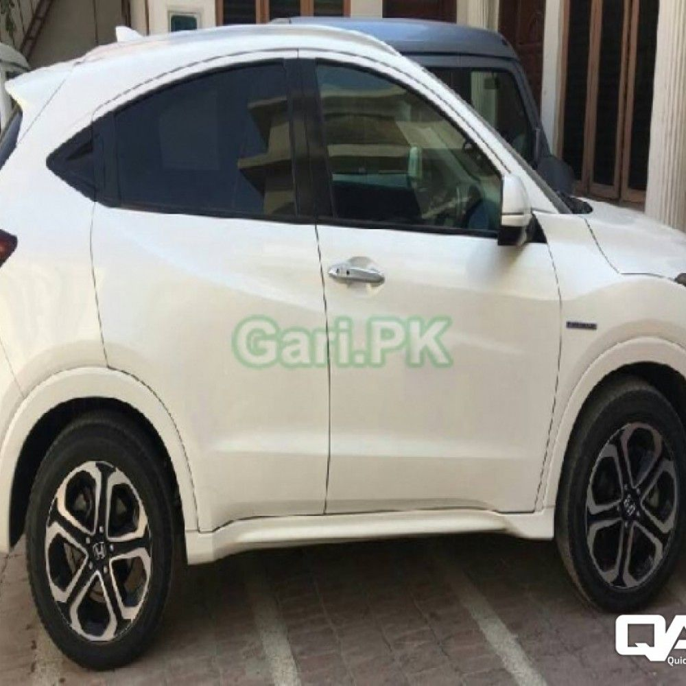 Reg. City Lahore Price 2980000 Rs. Color White Body Type