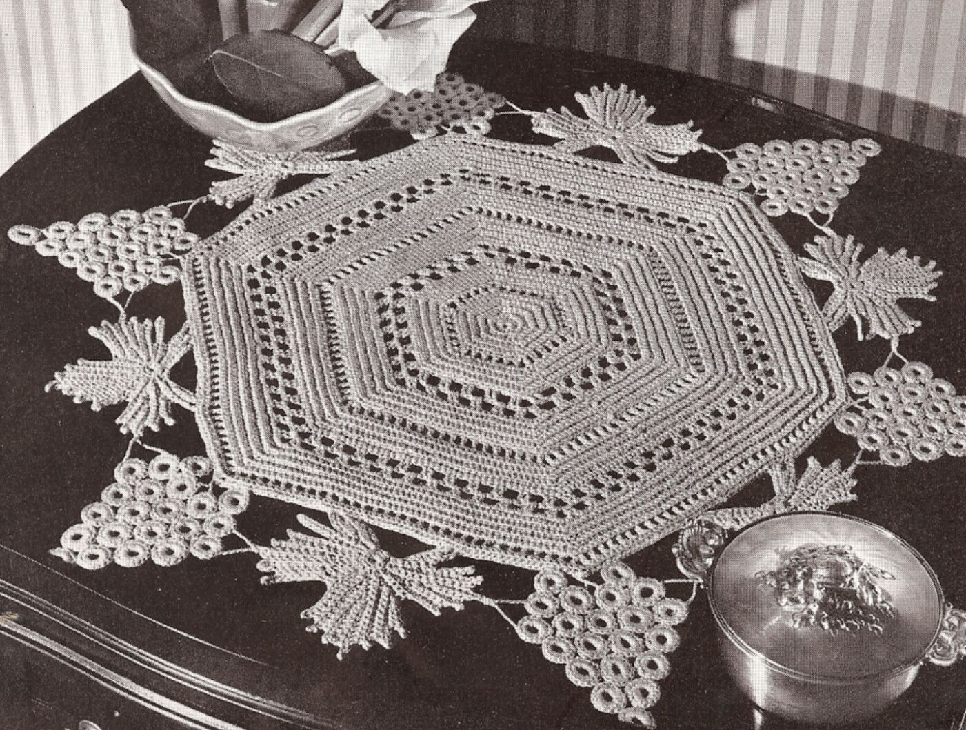 Vintage Crochet PATTERN to make Irish Grape Leaves Doily Centerpiece ...