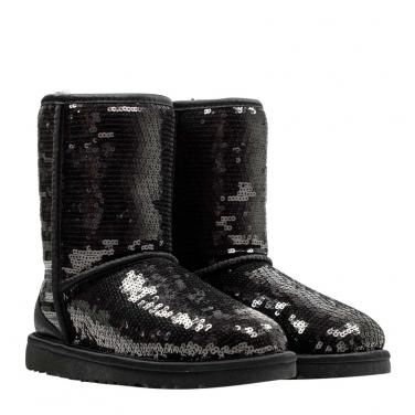 b4bbb18f12 UGG Boots aus Leder mit glänzenden schwarzen Pailletten. --Leather UGG Boots  with great black sequins. Wow!