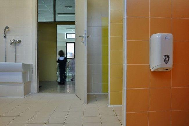 [ Younhyun Tile / 윤현상재 타일 ] Color Tile : Color System / Casa dei Bambini Scuola Montessori, Milan, Italy 이탈리아 밀라노 몬테소리 유아스쿨