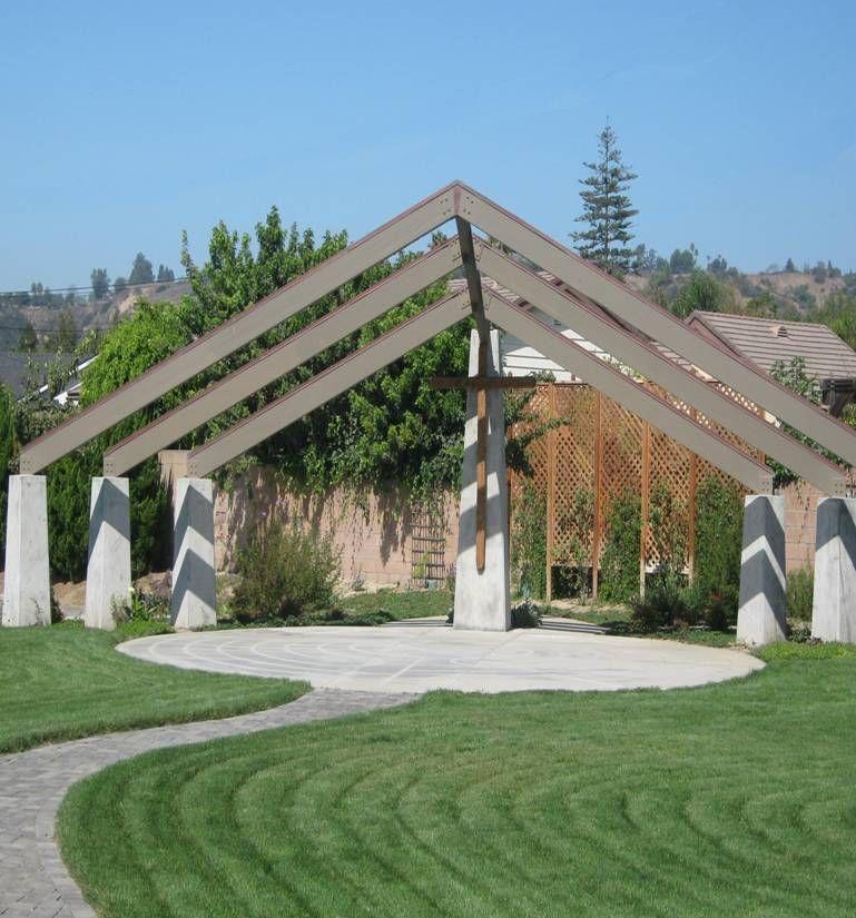 Wedding Chapel Decoration Ideas: Interesting Outdoor Chapel