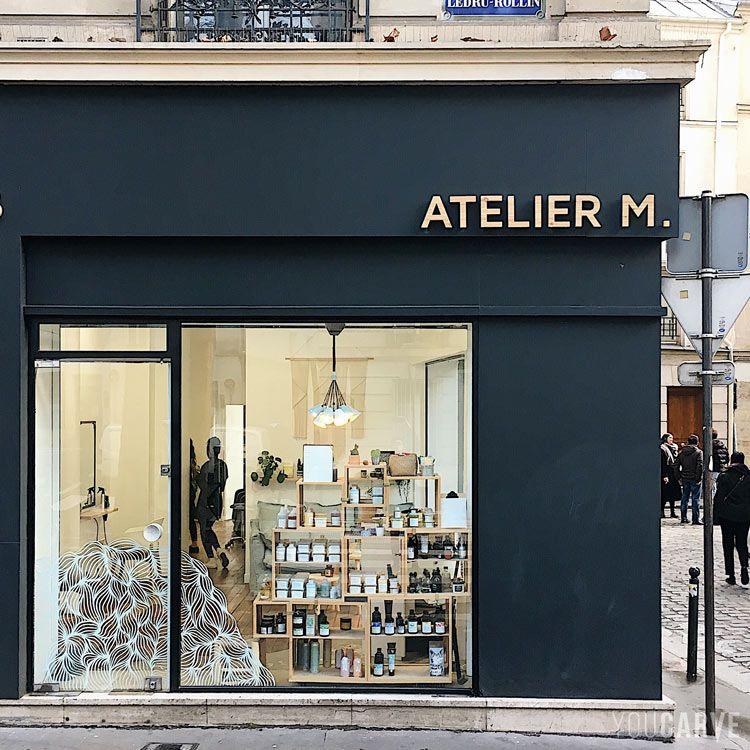 Enseigne Atelier M Atelier De Coiffure Paris 11e Lettres En Bois Sur Entretoises Interieur De Salon De Coiffure Deco Salon De Coiffure Facade Detail