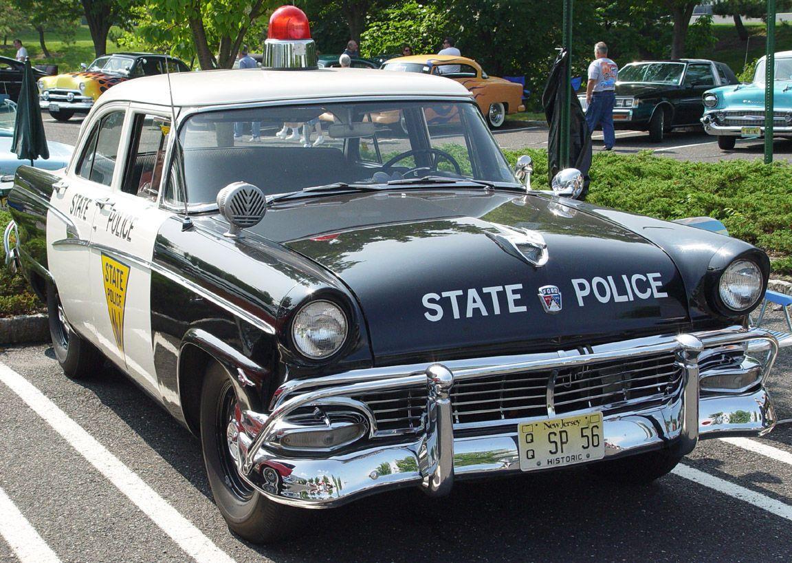 20 Antigos Carros De Policia Norte Americanos Http Www Preguicamental Com 2012 05 20 Antigos Carros De P Police Cars Police Cars For Sale Old Police Cars