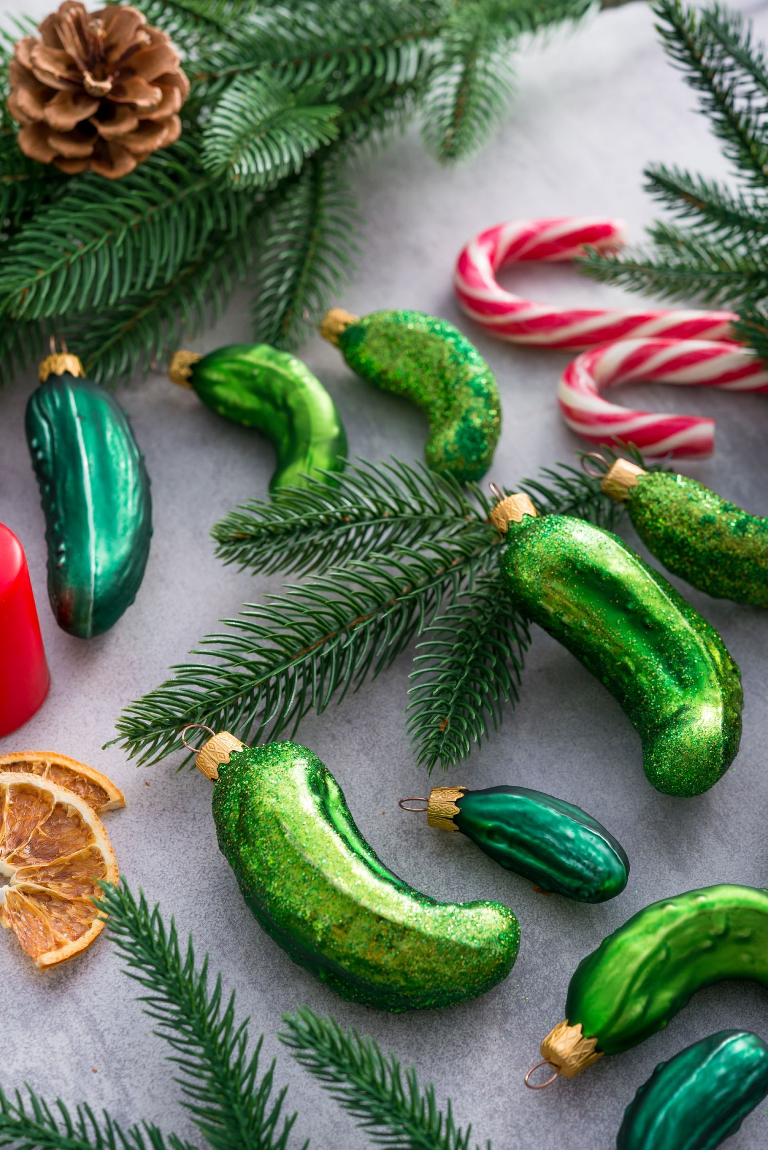 Christmas Green SPARKLE PICKLE by Glass Symphony. Hand ...