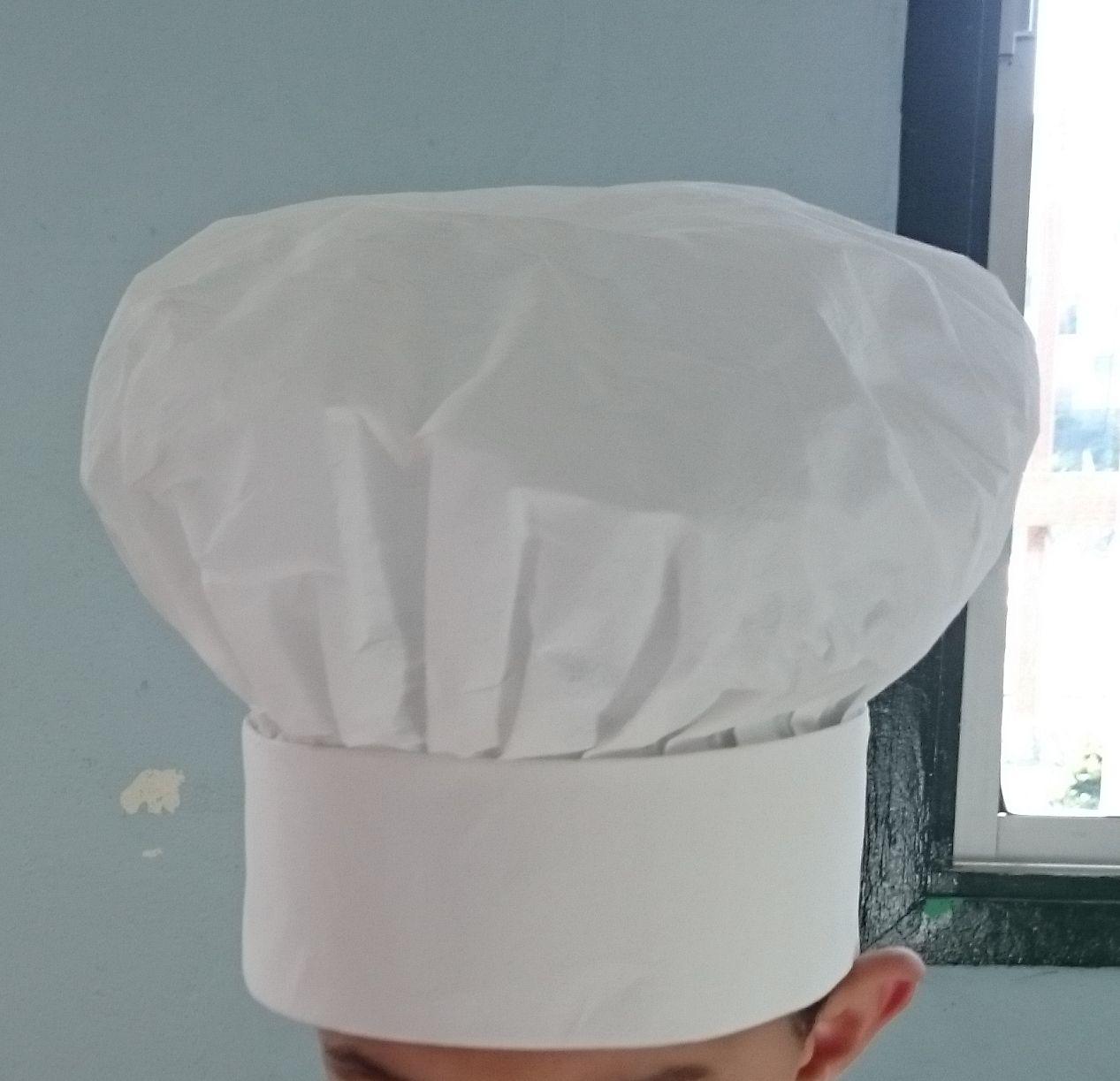 10d8bcf7707b8 Gorro Chef de papel maché Como Hacer Gorros