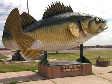 Garrison on mille lacs lake largest walleye fish statue for Fishing the midwest
